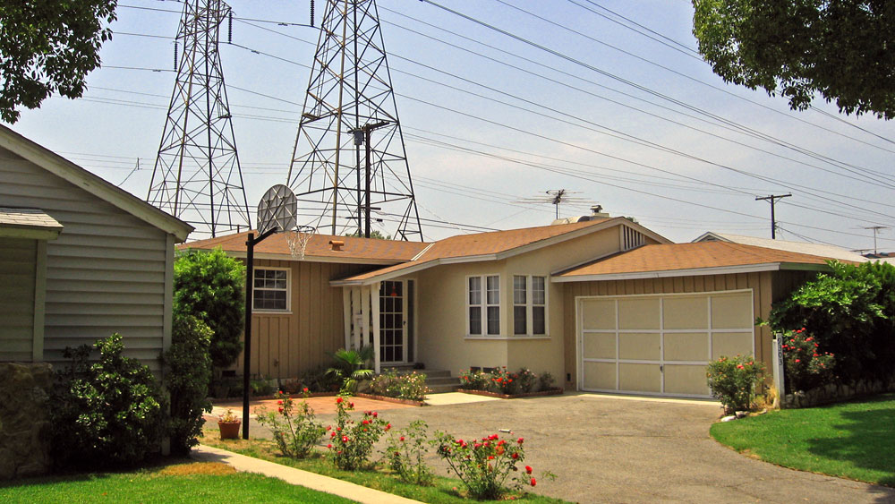 Exterior of the off-white, single story house in Arleta, California used as Marty McFly's home in Back To the Future.